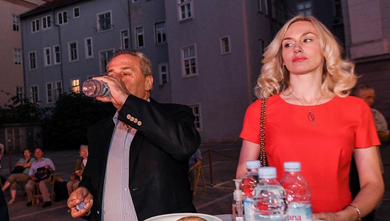 Gdje je zapravo preminuo Milan Bandić?! Je li Hitna po njega došla u zgradu u kojoj živi Natalija Prica?