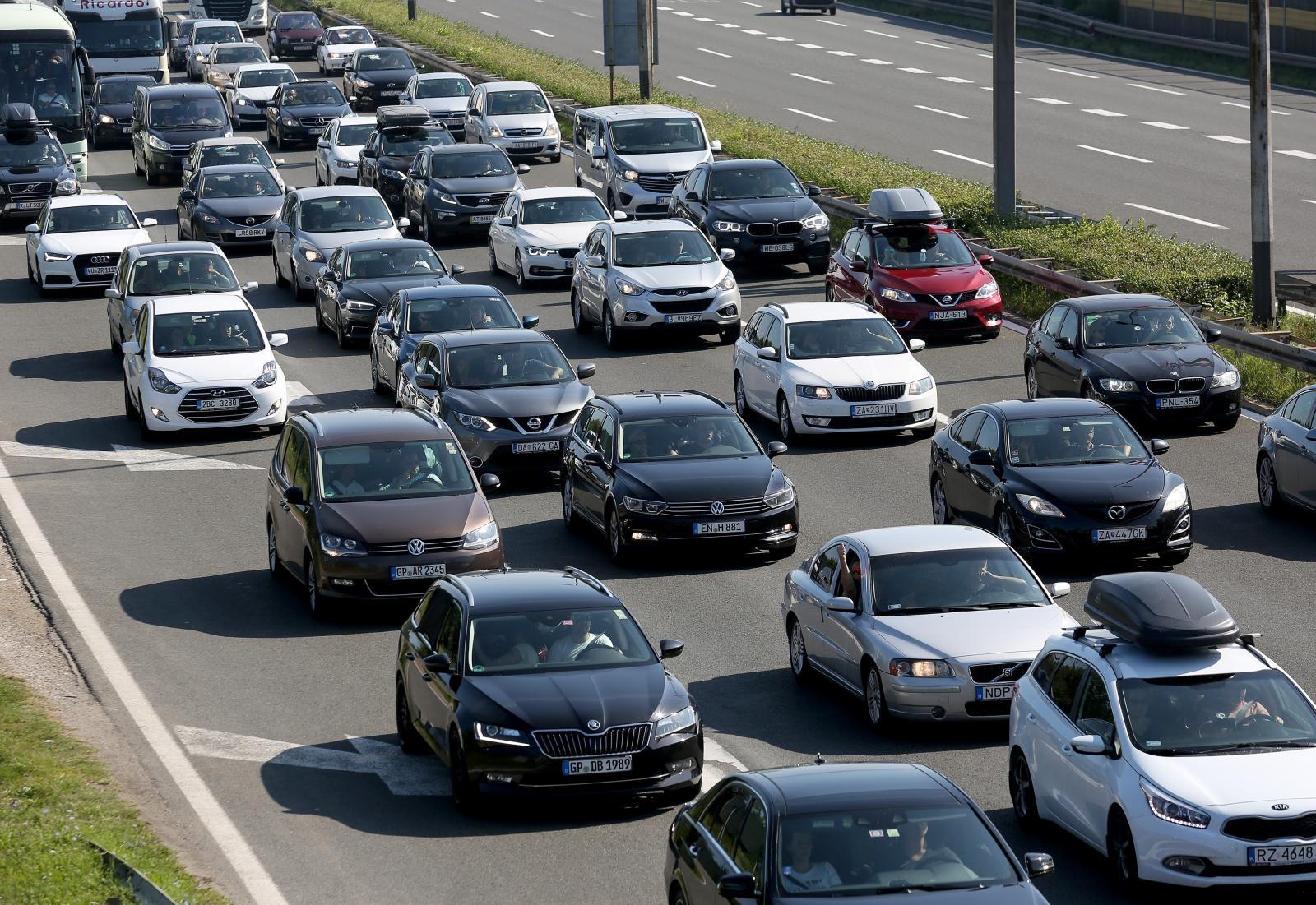 U travnju prodano tri puta više novih automobila nego prošle godine; Ovo su najprodavaniji modeli!