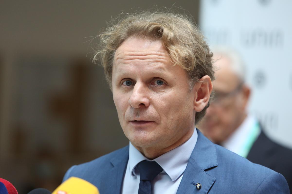 Đikić: 'Situacija je opasna. Odluka oko škola među gorim je odlukama koje su donijeli!'